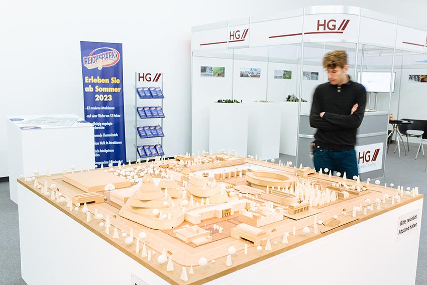 Bürostuhl DemüTigen Historischer Werkstattstuhl Architektenstuhl Industriedesign